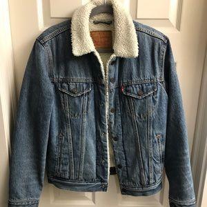 Jackets & Blazers - Levi Men's Sherpa Denim Jacket, size small